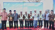 Ketua MPR Letakkan Batu Pertama Masjid Hajah Yuliana Mualimin Yogya