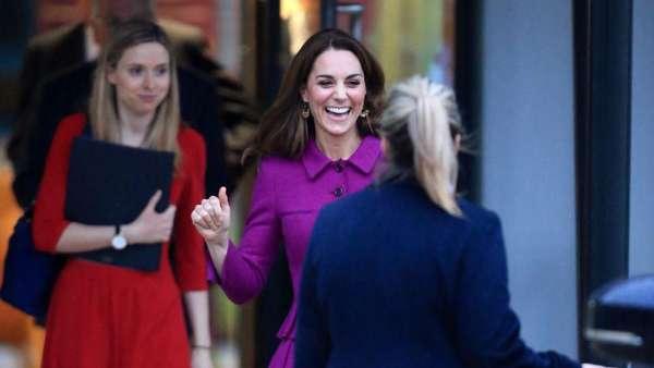 Tawa Kate Middleton Usai Bikin Heboh Karena Naik Transportasi Umum