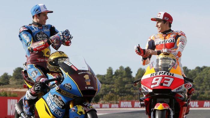 Marc Marquez diyakini malah akan khawatir jika Alex Marquez bergabung tim lain di MotoGP 2020. (Foto: AP Photo/Alberto Saiz)
