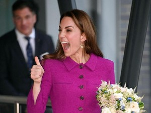 Main Bingo Online, William dan Kate Middleton Hibur Penghuni Panti Jompo