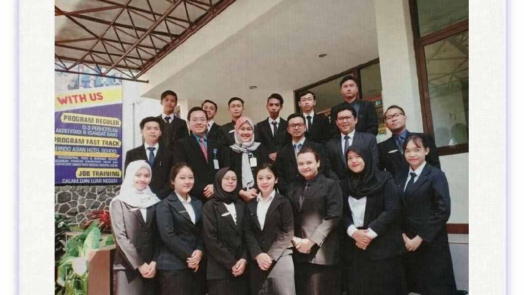 Tukang Tambal Ban Cantik Asal Garut Lulus Kuliah dengan IPK 3,81