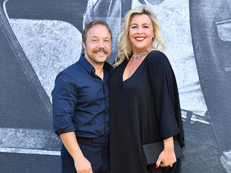 Stephen Graham dan istrinya, Hannah. Foto: Jeff Spicer/Getty Images