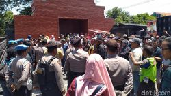 Warga Protes Pilkades Serentak di Mojokerto Tanpa Tatib Coblosan Simetris