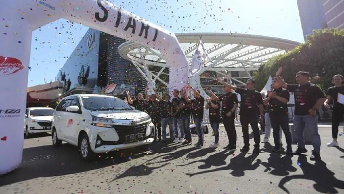 PT Toyota-Astra Motor kembali menggelar Sebangsa Festival di kota Bandung. Beragam hiburan menarik turut ditampilkan dalam gelaran acara tersebut.