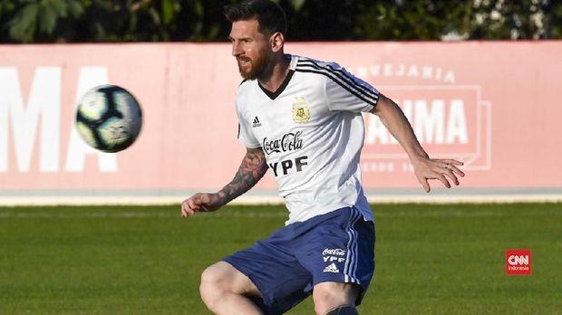 Celia Cuccittini tidak senang Lionel Messi dikritik habis-habisan di timnas Argentina.