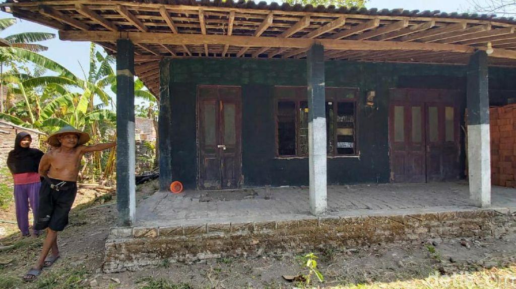 Densus 88 Amankan Seorang Warga di Sukoharjo
