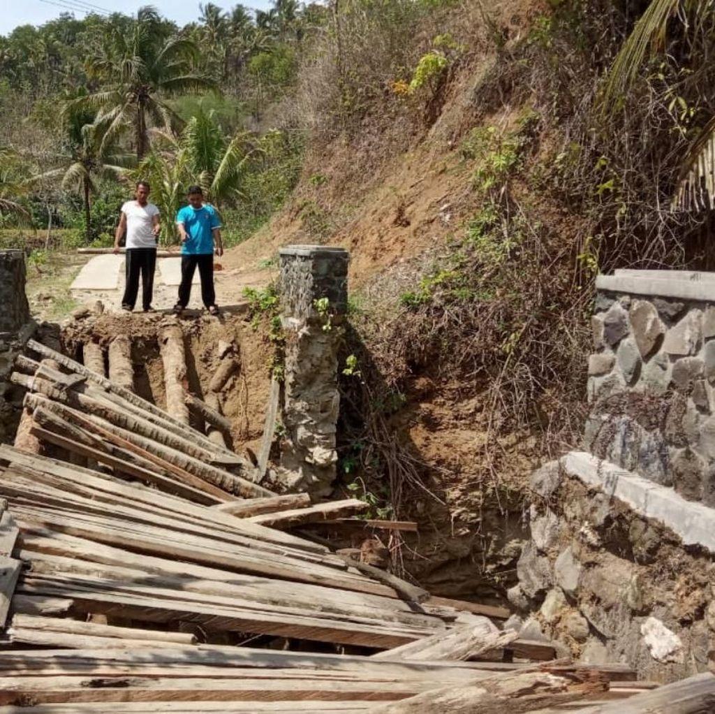 Faktor Usia, Jembatan Roma Penghubung 2 Desa di Ciamis Ambruk