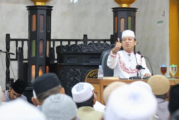 Ustaz Dasad Latif (Dok. Pribadi)