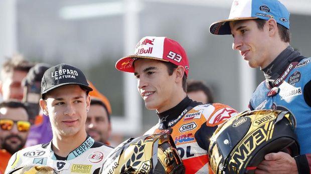 Alex dan Marc Marquez jadi rekan setim musim depan.