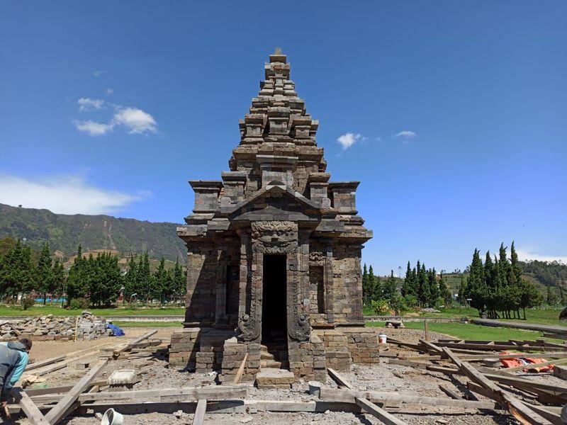 Inilah Candi Sembadra di kawasan wisata Candi Arjuna, Dieng. Candi ini berhasil dipugar karena sebelumnya mengalami kerusakan. (dok. Istimewa)