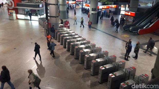 Situasi Stasiun Kereta di Madrid