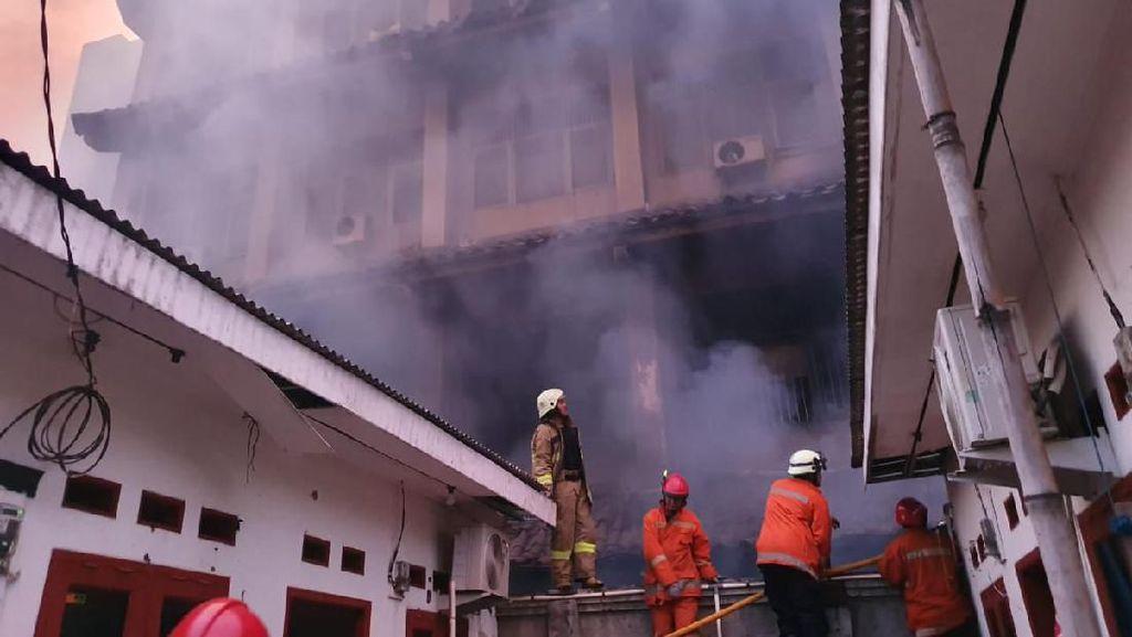 Saksi Sempat Dengar 4 Kali Ledakan di Kebakaran SMK Yadika 6 Bekasi