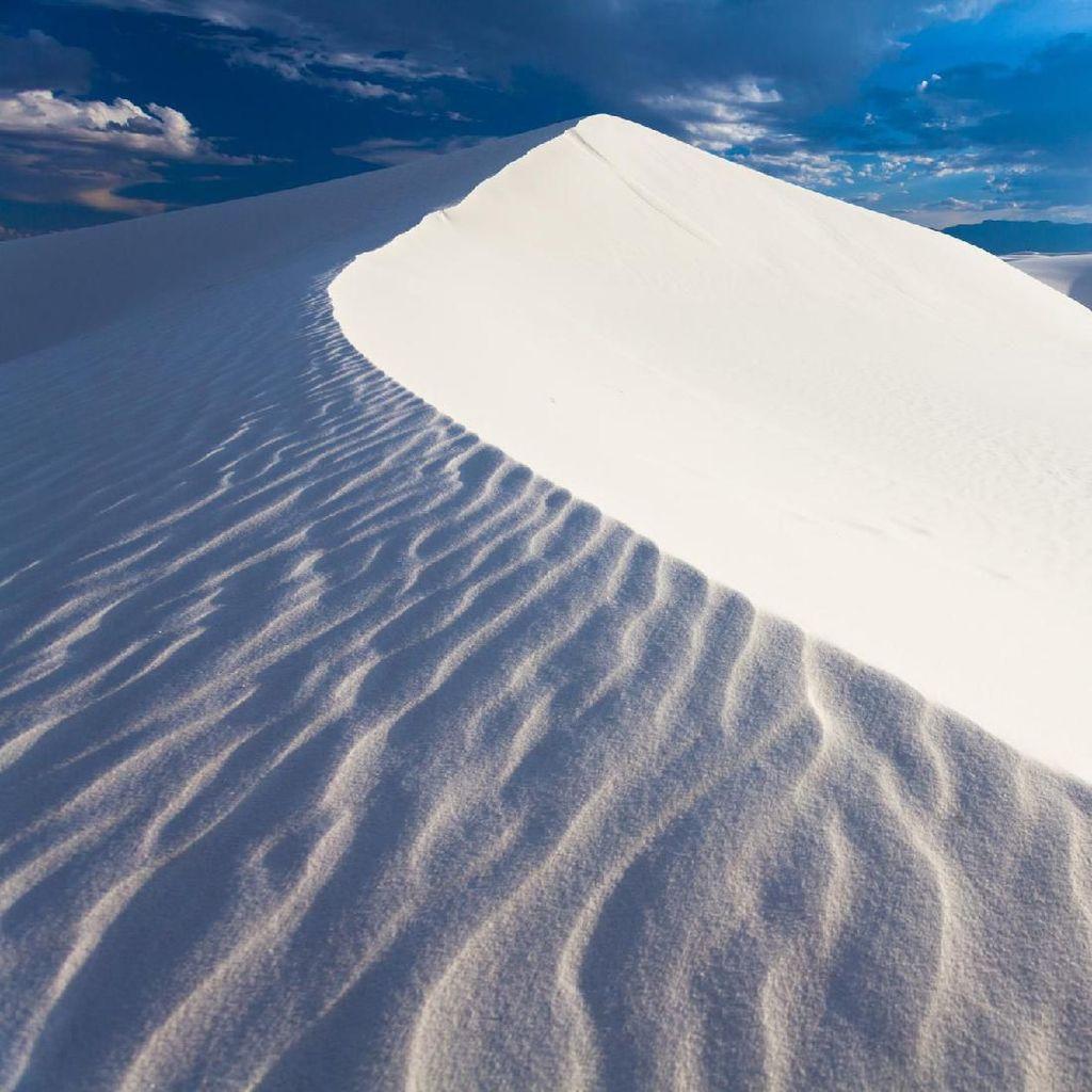 Potret Gurun Pasir Berwarna Putih dan Tidak Panas