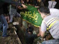 Jenazah Pelaku Bom Bunuh Diri di Medan Akhirnya Dimakamkan