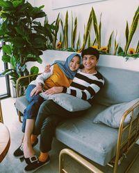 Airina bersama mendiang suaminya, Amirul