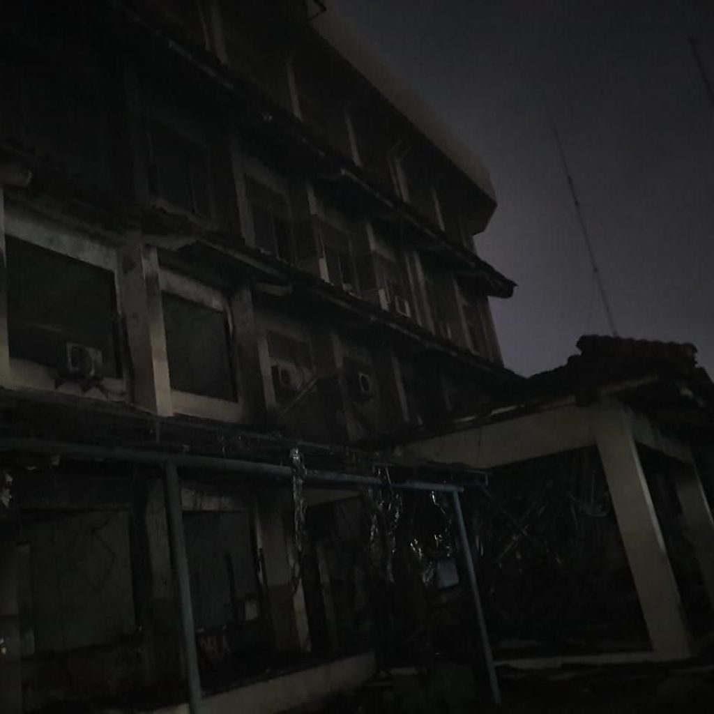 Kebakaran SMK Yadika 6 Bekasi Diduga karena Korsleting Listrik