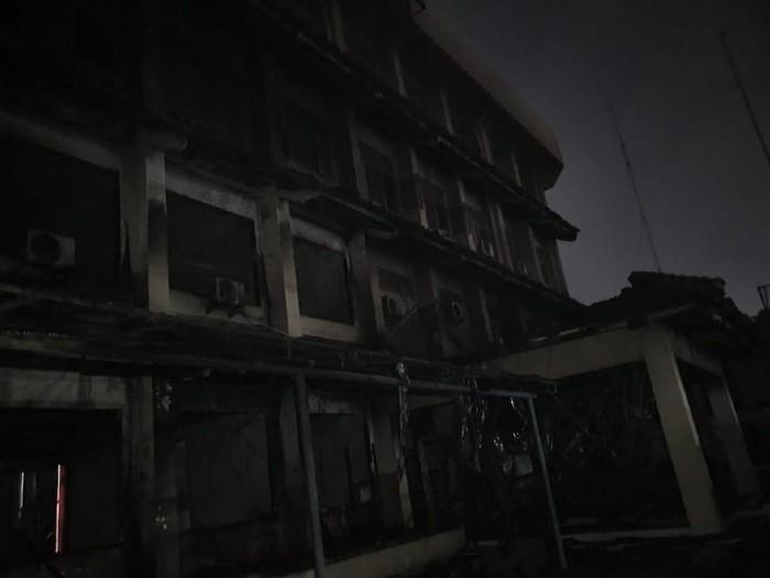 Kebakaran SMK Yadika 6 Bekasi. (Isal Mawardi/detikcom)