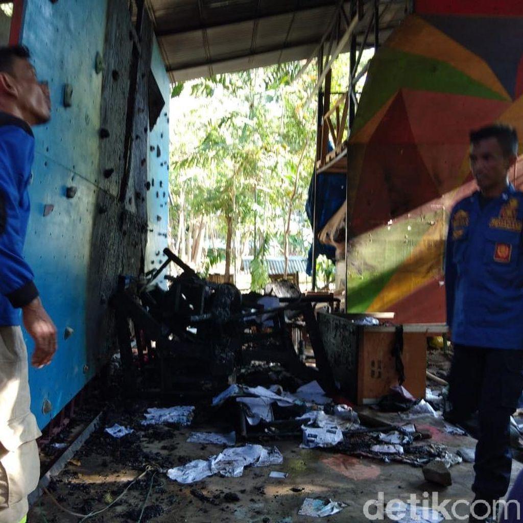 Mapala UMI Makassar Diserang Puluhan Orang, Papan Panjat Dibakar