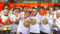 Pelukan Perpisahan Marquez-Lorenzo di Valencia