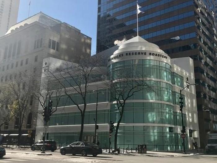 Memiliki gedung 5 lantai, Starbucks Reserve Roastery ini hadir di Chicago, Amerika Serikat.Foto: Istimewa