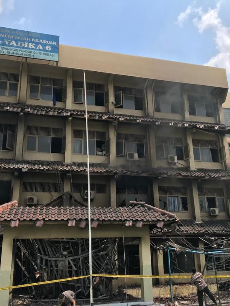 Damkar: Gedung SMK Yadika 6 yang Terbakar Tak Dilengkapi Rekomendasi Kami