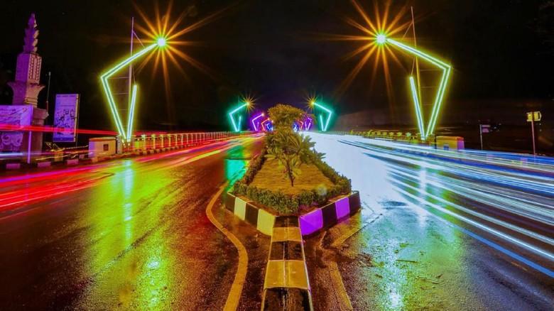 Lampu Warna-warni di Banda Aceh. (Foto: dok. Humas Pemko Banda Aceh)