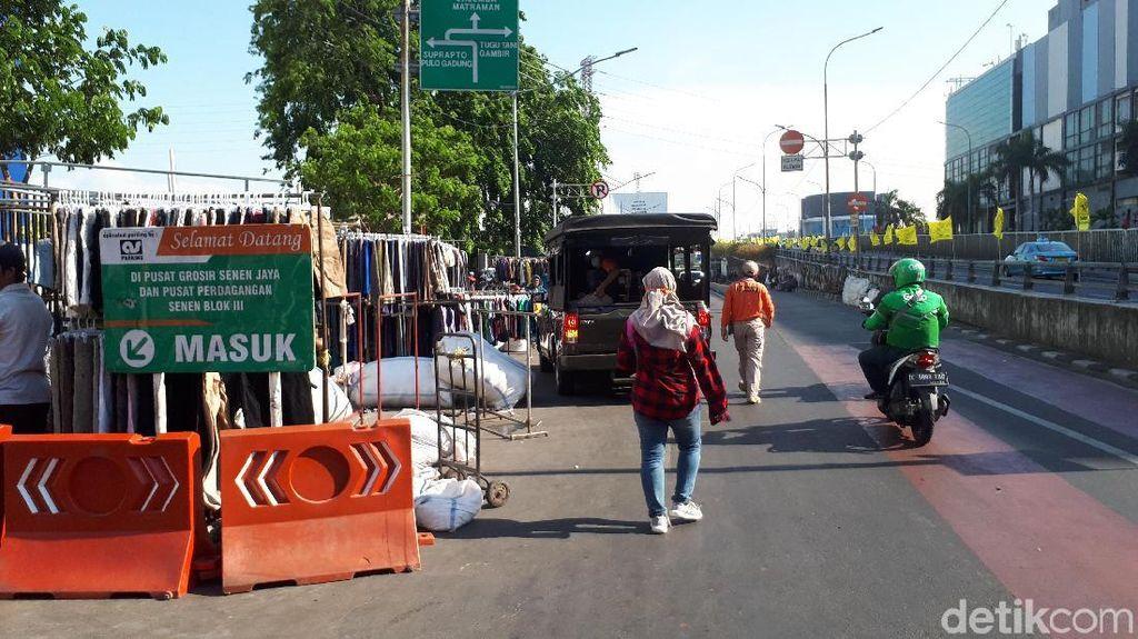 Pemkot Jakpus Relokasi PKL di Trotoar Pasar Senen ke Pasar Atom Hari Ini
