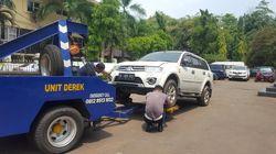 Kejari Depok Pindahkan Barang Sitaan, Termasuk 5 Mobil Bos First Travel