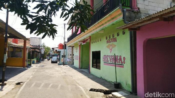 Lokalisasi Gambilangu di perbatasan Kendal-Semarang. (Foto: Angling Adhitya Purbaya/detikcom)