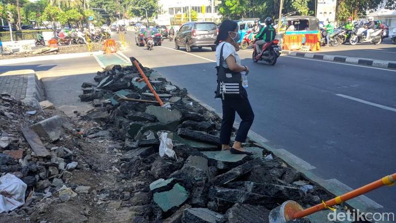 Jalur Sepeda Cikini Dibongkar demi Trotoar, Begini Pendapat Pejalan Kaki