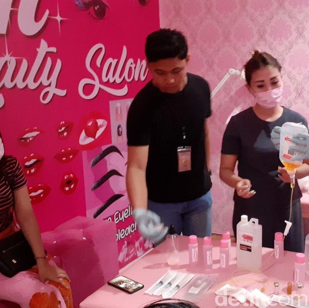 Polisi Gerebek Salon Kecantikan Ilegal di Makassar