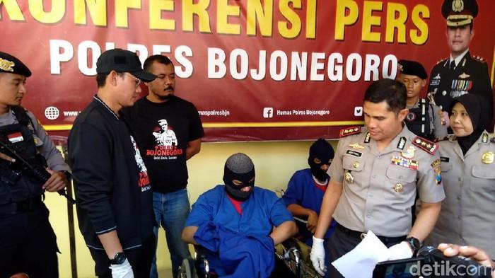 Konferensi pers Polres Bojonegoro (Ainur Rofiq/detikcom)