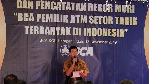 Dan.. Bank dengan ATM Terbanyak se-Indonesia Jatuh Kepada...