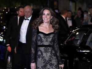 Desainer Favorit Kate Middleton Sabet Penghargaan Khusus di Fashion Awards