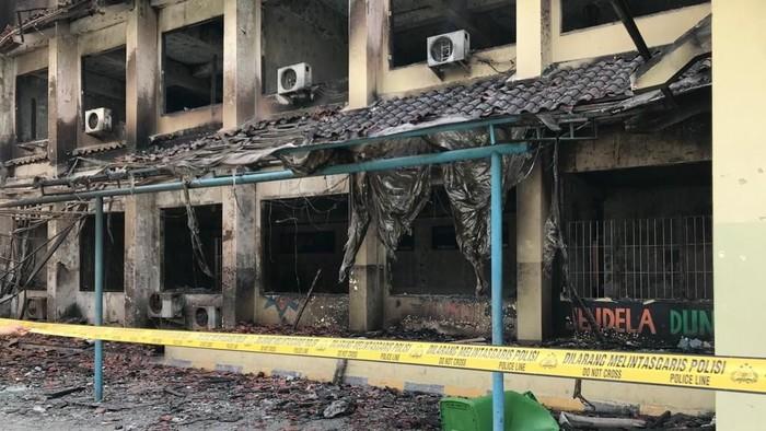 Foto: Sisa kebakaran di SMK Yadika 6 Bekasi (Rolando/detikcom)
