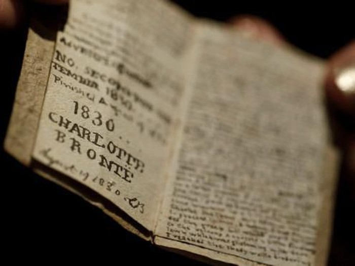 MIniatur novel karya Charlotte Bronte