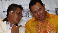 Presiden PKS Sohibul Iman dan Ketua Umum Partai Berkarya Tommy Soeharto menggelar jumpa pers seusai melakukan pertemuan di DPP PKS Jakarta, Selasa (19/11).