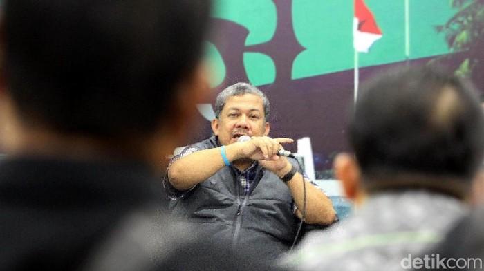 Mantan Wakil Ketua DPR Fahri Hamzah menjadi pembicara dalam diskusi di MPR/DPR RI. Selain Fahri, ada sejumlah tokoh lain yang jadi pembicara di diskusi tersebut