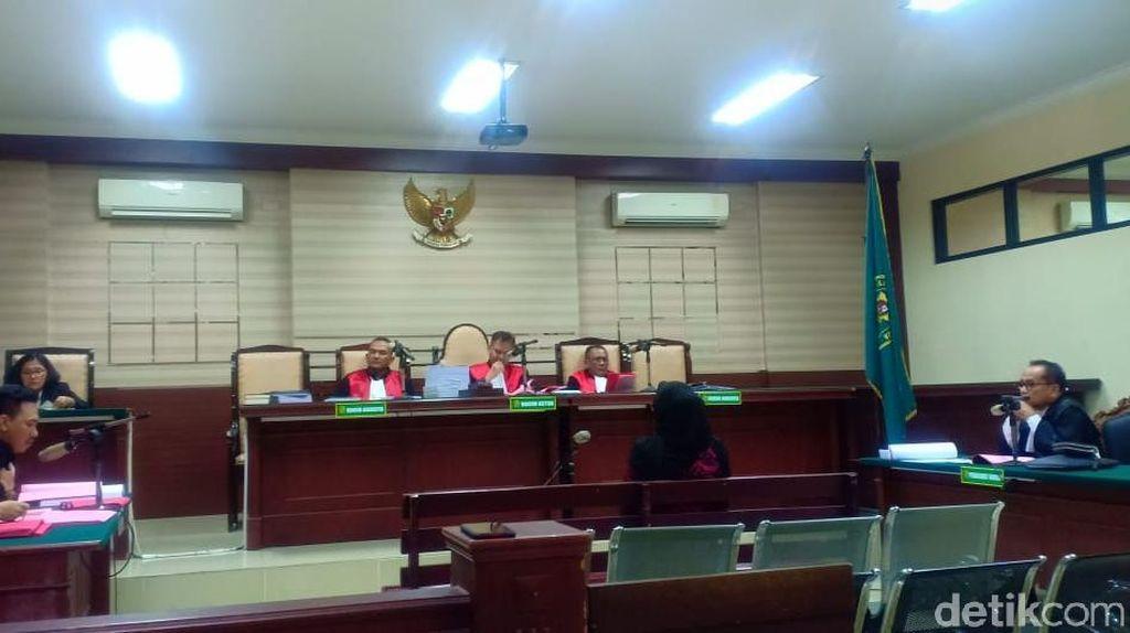 Mantan Anggota DPRD Surabaya Binti Rochmah Jalani Sidang Perdana Jasmas