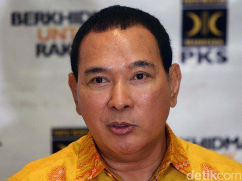Presiden PKS Sohibul Iman dan Ketum Partai Berkarya Tommy Soeharto menggelar jumpa pers seusai melakukan pertemuan. Mereka sepakat bekerjasama di Pilkada 2020.