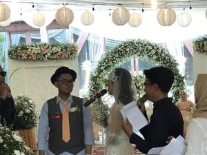 Viral Nikahan Santuy, Pengantin Pajang Foto Suzana dan Putar Lagu Kera Sakti