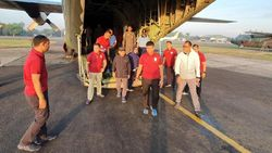 Saat Maruf Pakai Jaket dan Sepatu Kets Sidak Pangkalan TNI AU
