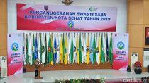 Menkes Terawan Bagikan Penghargaan Kota Sehat untuk 177 Bupati dan Wali Kota