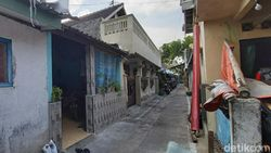 Densus 88 Tangkap Penjual Buku dan Bakso Pentol di Sukoharjo