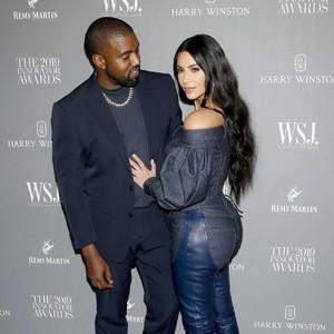Totalitas, Kanye West Hidupkan Ayah Kim Kardashian Demi Kado Ulang Tahun