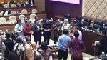 Rapat Ibu Kota Baru Diselingi Tiup Lilin HUT Istri Kepala Bappenas