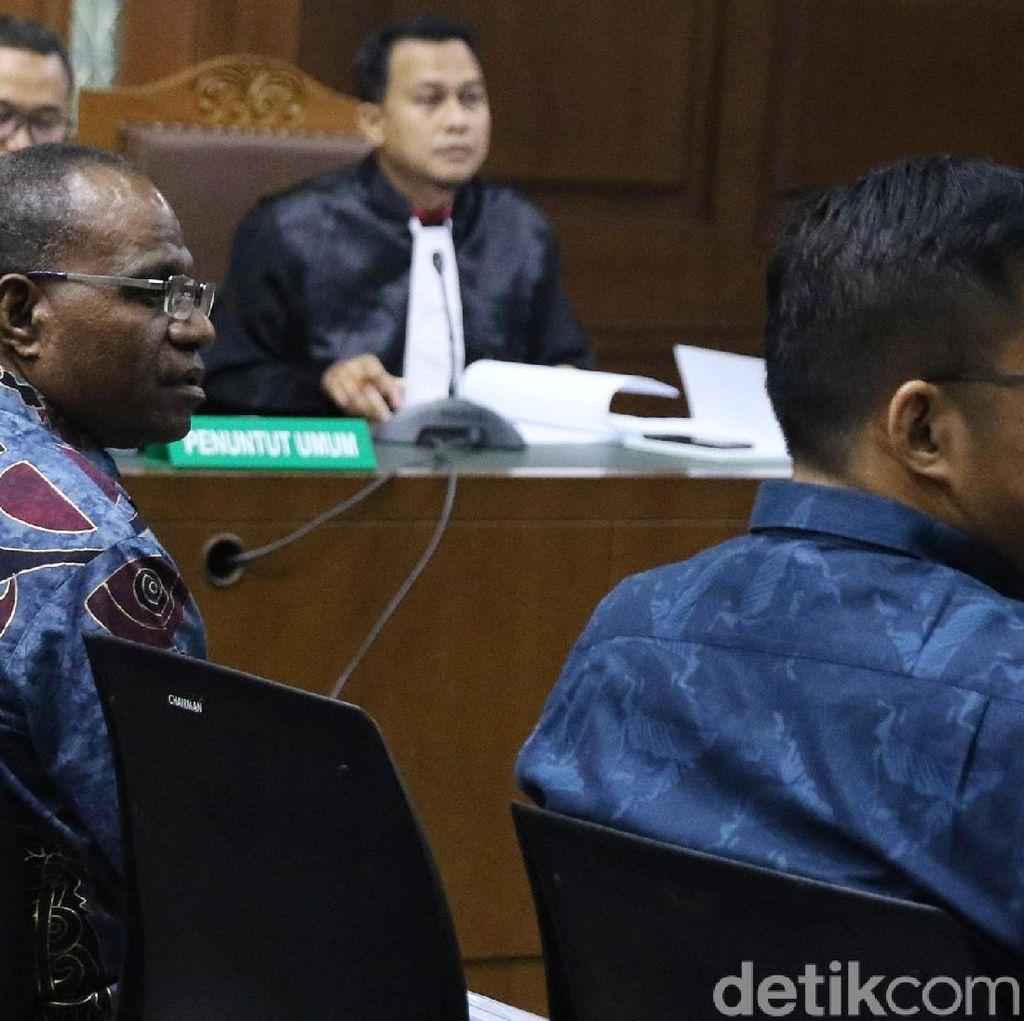 Sidang Perdana Korupsi Pembangunan Jalan di Papua