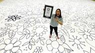 Rekor Dunia! Seniman Ini Menggambar Selama 12 Jam di Aula Gym