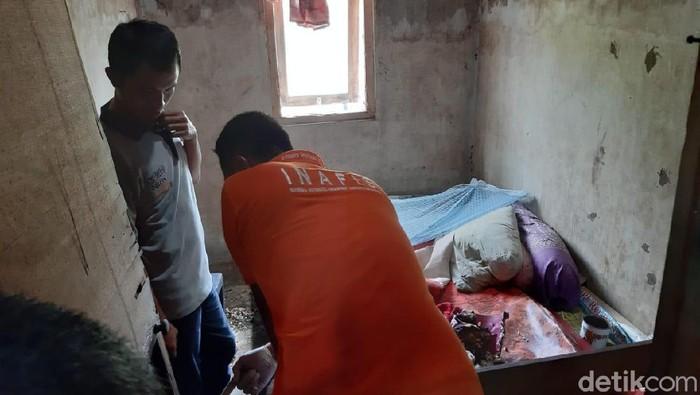Kamar tempat nenek Takemi ditemukan tewas terbakar (Foto: Yakub Mulyono)