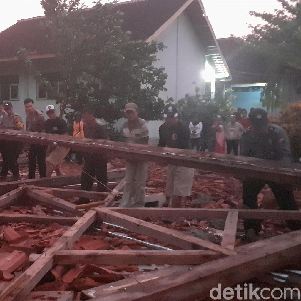 Pemkab Sragen Tanggung Pengobatan Korban Aula SMK Roboh